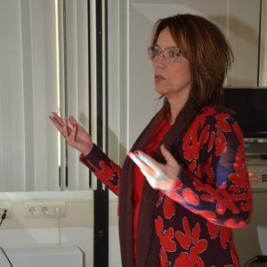 Anette tijdens een training stresspreventie en duurzame inzetbaarheid